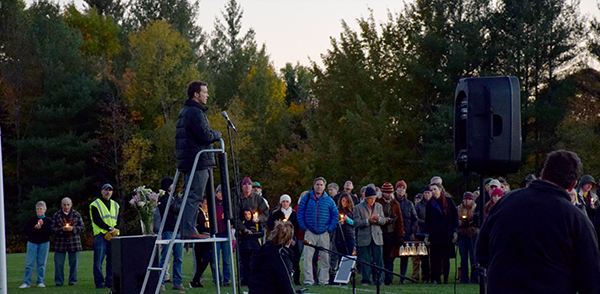 Darryll Mays, uncle of Mary Harris, speaking at Harwood vigil. Photo: Jeff Knight