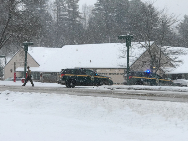 Vermont State Police search for clues to a bank robbery at the TD Bank in Waitsfield on December 18, 2017. Photo: Christopher Keating