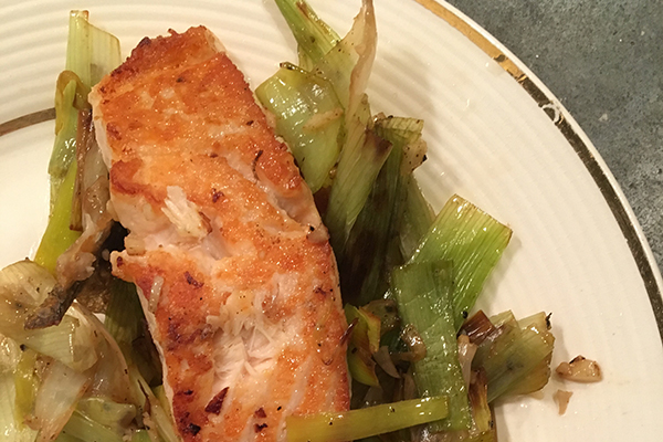 Salmon with caramelized leeks