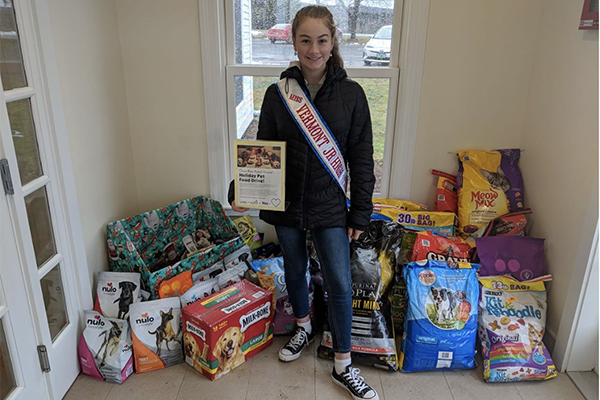 Kaelyn Howard organized a pet food drive to benefit PAWSitive Pantry.