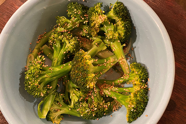 Steamed lemon sesame broccoli